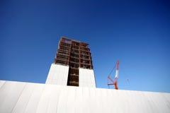 нижняя конструкции здания новая стоковая фотография