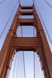 нижняя строба моста золотистая Стоковая Фотография RF