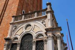 Нижняя часть колокольни колокольни ` s St Mark в Венеции Стоковые Фотографии RF