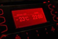 Низкая температура на дисплее автомобиля холодная зима Стоковая Фотография