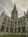 Низкая угловая съемка панорамный взгляд от католической церкви стоковая фотография rf