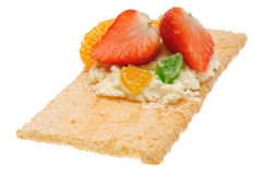 Низкий калорийный открытый сандвич Изолировано на белизне Стоковое Фото