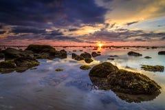 низкий прилив захода солнца Стоковые Фотографии RF