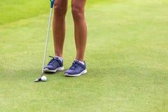 Низкий раздел женского игрока гольфа Стоковые Фото