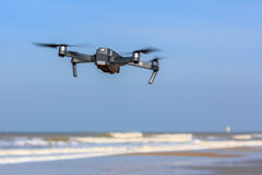 Низкий UAV трутня летания Стоковая Фотография RF