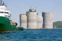 низкопробная сверля оффшорная нефтяная платформа Стоковая Фотография