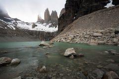 Низкопробный взгляд Las Torres широкоформатный стоковые фотографии rf