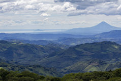 Никарагуанский ландшафт с вулканом Стоковая Фотография RF