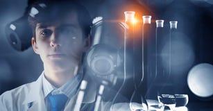 Новаторские технологии в науке и медицине Мультимедиа Стоковые Изображения RF