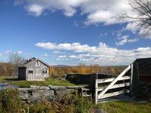 Новая Англия: лачуга сахара клена в падении h осени Стоковые Фотографии RF