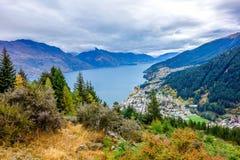 Новая Зеландия - озеро Wakatipu от холма Queenstown Стоковые Изображения RF
