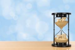 Новая концепция 2018 год Песок падая в часы принимая Shap Стоковая Фотография RF