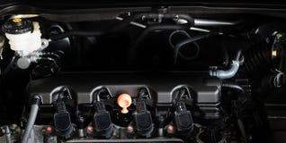 Новая машинная часть автомобиля Современный мощный двигатель автомобиля Мощный en Стоковое Изображение RF