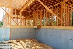 Новая домашняя конструкция дома блока цемента с деревянным Стоковое Изображение