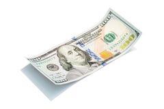 Новая долларовая банкнота на белом, съемка США 100 макроса S доллар 100 счетов Стоковые Изображения RF