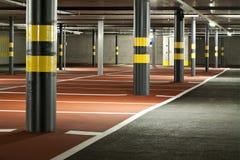 Новая подземная стоянка автомобилей Стоковая Фотография