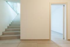 Новая пустая квартира стоковые изображения