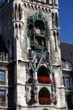 Новая ратуша (Neues Rathaus) в Мюнхене, Германии Стоковое Изображение