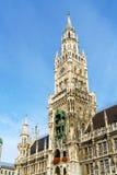Новая ратуша Neues Rathaus на Marienplatz в Мюнхене Стоковые Изображения RF