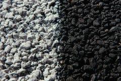 Новая текстура асфальта с белой брошенной линией Стоковое Изображение RF