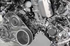 Новая технология двигателя автомобиля стоковые фото