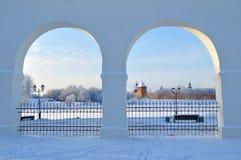 Новгород Кремль в Veliky Новгороде, России - заход солнца зимы обрамил взгляд Стоковые Изображения