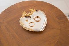 Новобрачные положили кольцо Стоковые Изображения