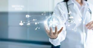 Нововведение технологии и концепция медицины стоковое фото rf