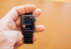 Новое здоровье app app сердца серии 3 вахты Яблока Стоковая Фотография RF