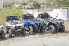 Новое красочное ATVs для ренты, Santorini Стоковые Фотографии RF