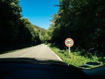 Новое ограничение в скорости француза 80kmph поет стоковое изображение