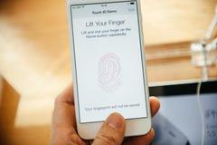 Новое iPhone 6 Яблока и iPhone 6 добавочное Стоковые Фотографии RF