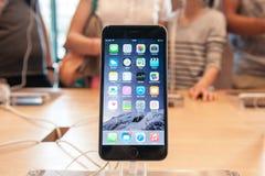 Новое iPhone 6 Яблока и iPhone 6 добавочное Стоковые Изображения