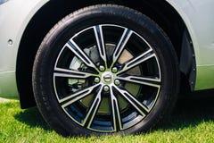 Новое Volvo XC60 колесо 2018 автомобиля стоковые фотографии rf