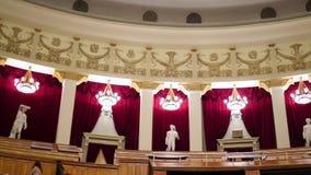 НОВОСИБИРСК, РОССИЯ - 27-ое декабря 2016: Интерьер театра оперы акции видеоматериалы