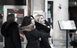 Новые веяния - время Selfie! Стоковые Фотографии RF