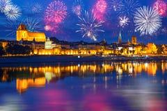 Новые Годы дисплея фейерверка в Торуне Стоковое Фото
