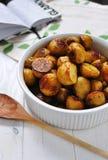 новые зажаренные в духовке картошки стоковое фото rf