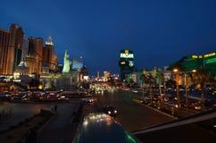 Новые Йорк-новые гостиница Йорка & казино, прокладка Лас-Вегас, Лас-Вегас, район метрополитена, метрополия, горизонт, ноча стоковое изображение