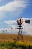 новые старые ветрянки Стоковая Фотография