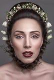 Новые стили причёсок для невест Стоковые Фото