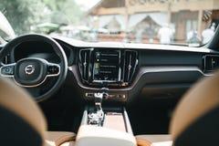 Новый автомобиль 2018 Volvo XC60 стоковое изображение