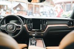 Новый автомобиль 2018 Volvo XC60 стоковые изображения