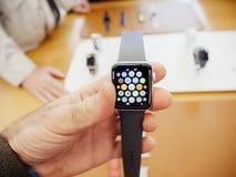 Новый вахта яблока главного экрана серии 3 вахты Яблока Стоковая Фотография RF