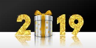 Новый Год карточки счастливое 3D подарочная коробка, смычок ленты, золотое число 2019 изолировала бело-черную предпосылку Золотое бесплатная иллюстрация