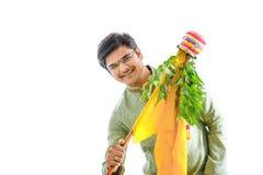 Новый Год маратхи padwa Gudi, молодой индийский празднуя фестиваль padwa gudi стоковое фото