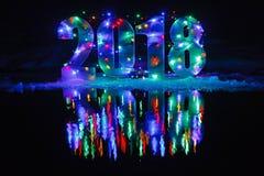 Новый Год 2018 Номер загорен гирляндой стоковая фотография