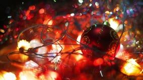 Новый Год украшения рождества Конец безделушки смертной казни через повешение вверх Запачканная конспектом предпосылка праздника  видеоматериал