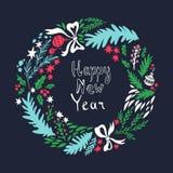 Новый Год карточки счастливое Иллюстрация нарисованная рукой с венком рождества Стоковая Фотография RF