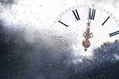 Новый Год на полночи - старые света часов и праздника Стоковое Изображение